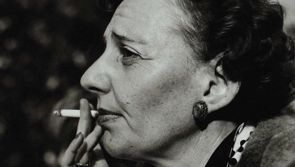 לאה גולדברג, צילום: אנה ריבקין-בריק. מתוך עטיפת השירים הגנוזים, ספרית פועלים.
