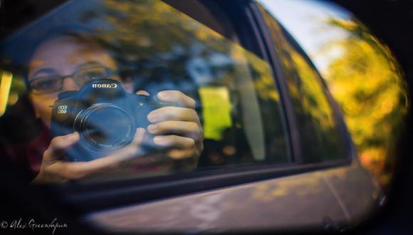 """""""יום בחיים"""": תערוכת צילומים של הצלמת אלכס גרינשפון"""